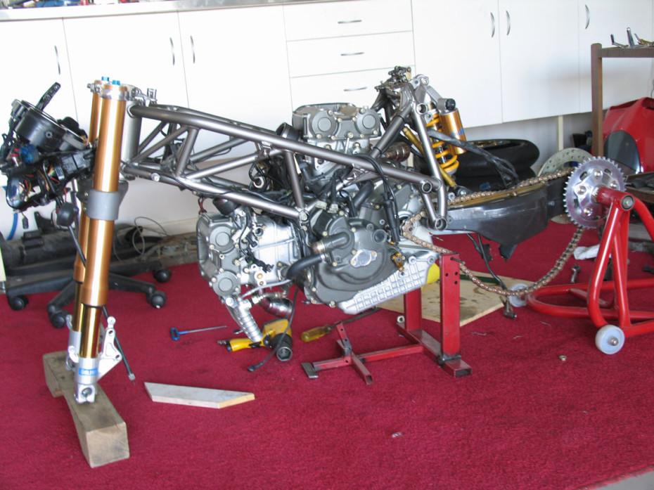 Ducati 996 in parts
