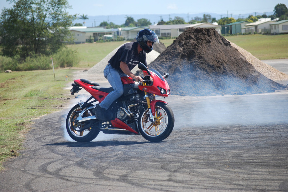 Red Buell XB12 burnout