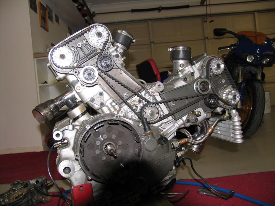 Engine internals ducati 996