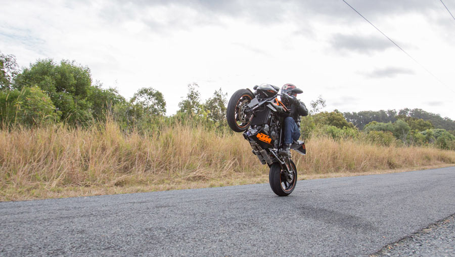 MCRR wheelie KTM Rc8