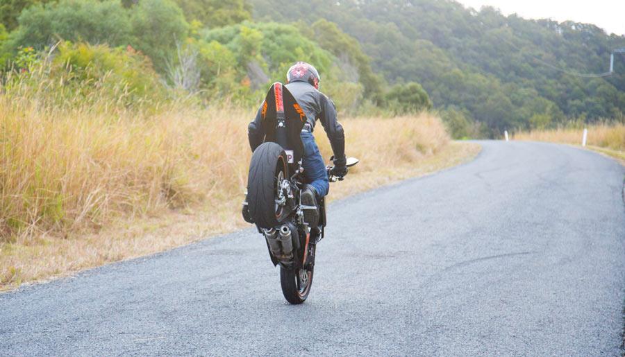 Long angle KTM RC8 Mono