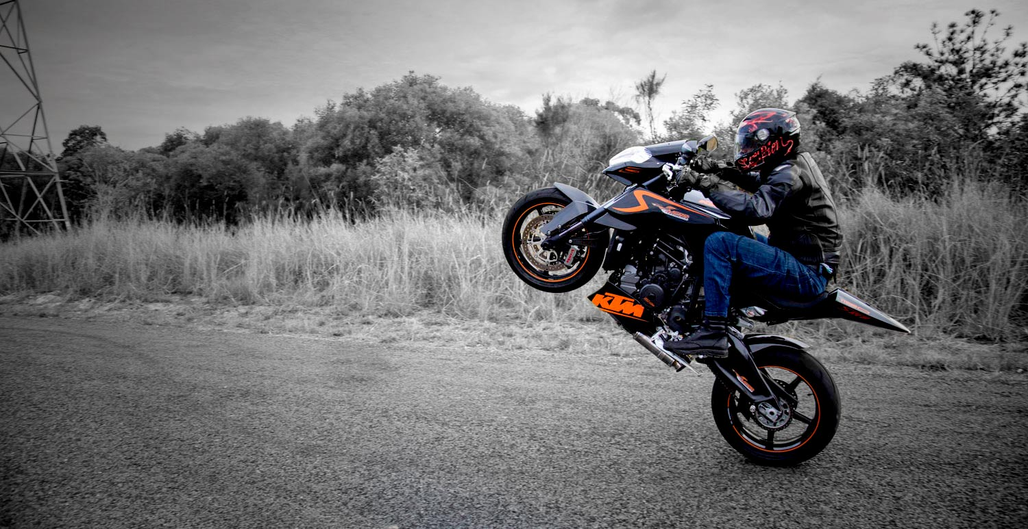 KTM RC8 R Wheelie